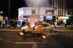 burning-police-car-tottenham-p1.jpg