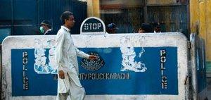 karachi-police-checkpoint-4559782014-p.jpg