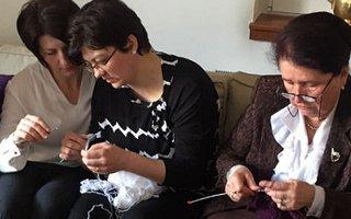 knitting-for-peace-p1.jpg