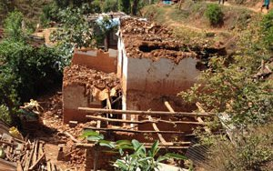 nepal-ruined-house-p.jpg