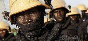 south-sudan-police-5142631309-p.jpg