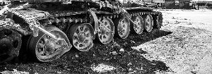 syria-destroyed-tank-14437265414-p.jpg