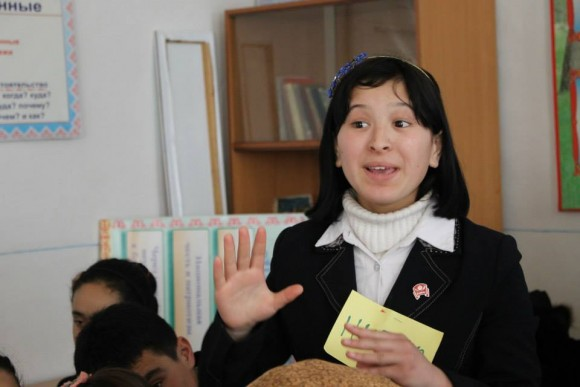 № 3_Youth of Osh Project _ School Forum Theatre_15 old schoolgirl project participant