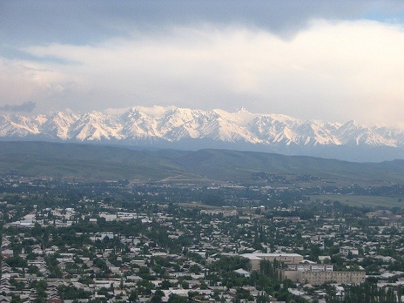The city of Osh, in Southern Kyrgyzstan, was the scene of violent rioting in 2010 that left hundreds dead. Image credit: Paul.